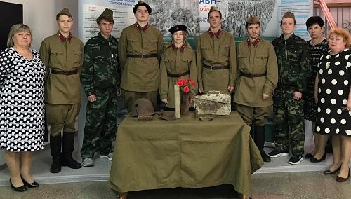 Поисковики передали в дар 7 поисковых находок с полей сражений 166-й стрелковой дивизии