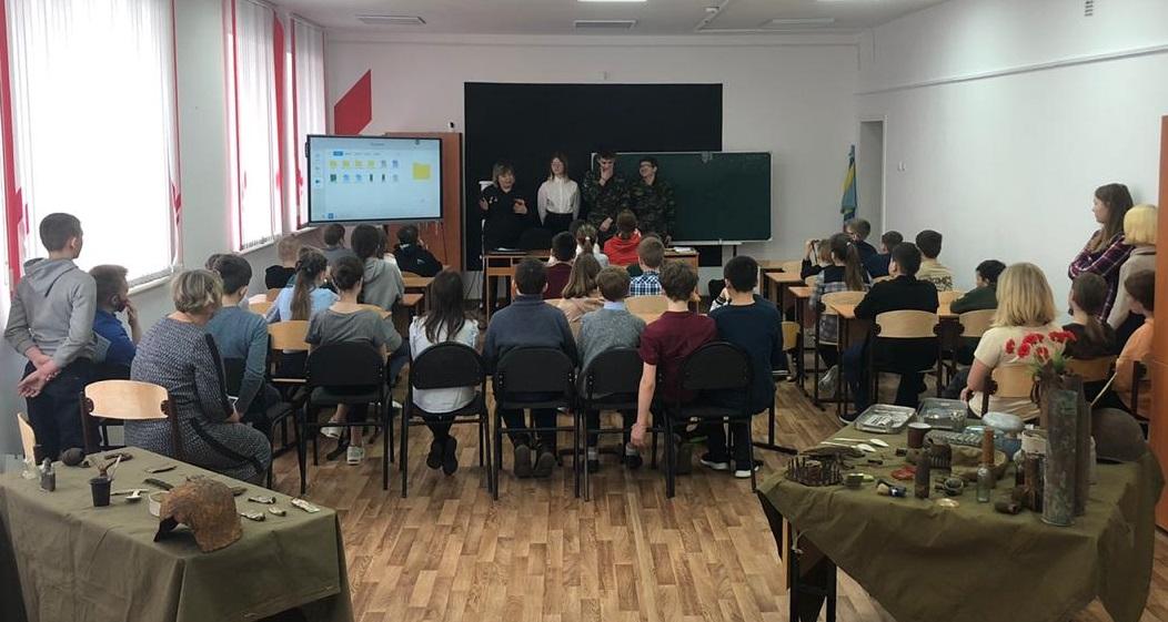 Поисковики  рассказали о дивизии школьникам из Зоркальцево